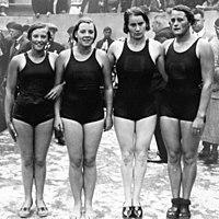 Willy den Ouden, Marie Braun, Truus Baumeister, Maria Vierdag 1931.jpg