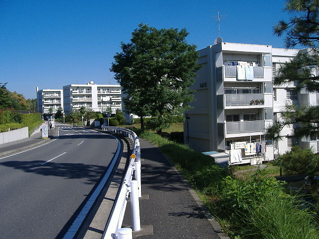640px-Yokohama_Shiomidai-Danchi.JPG