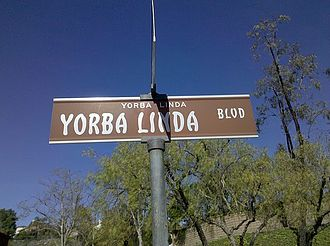 Yorba Linda, California - Standard design of street name signs in the city
