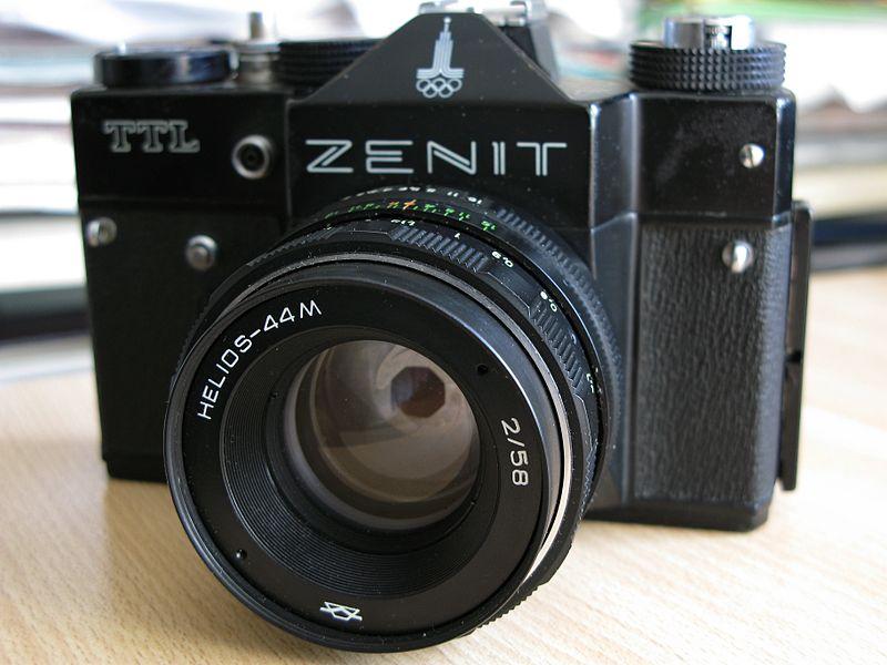 800px-Zenit_TTL.JPG