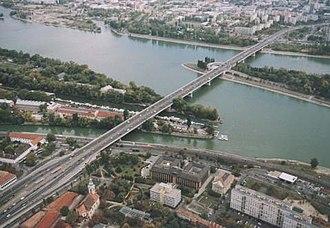 Bridges of Budapest - Image: Árpádhíd Légifotó