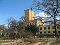 Ботсад СПб, переход между оранжереями. Корпус с водонапорной башней01.jpg
