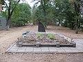 Братская могила в сквере Лермонтова.jpg
