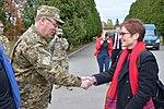Командування ЗС США в Європі опікується школярами Львівщини (30686180195).jpg