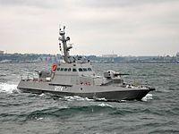 Новозбудовані для українських ВМС малі броньовані артилерійські катери в ході випробувань здійснили спільне плавання (27397137456).jpg