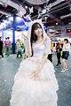 小姐姐莞尔一笑,我的心都百花齐放了,对了这个新娘子服装是小姐姐自己缝的 (1).jpg