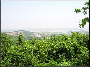 Feixi County - Image: 紫蓬山 北望 panoramio
