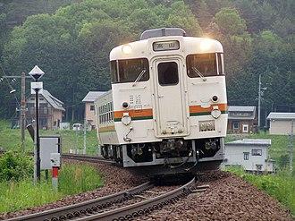 Takayama Main Line - Image: 高山線を走行するキハ40形
