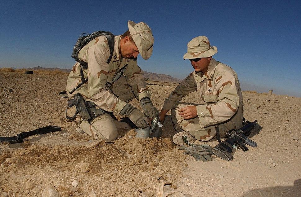 b939bd3b95fad 011223-N-2383B-506 EOD at work in Afghanistan