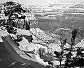 01636 Grand Canyon Village Viewpoints (7945616516).jpg