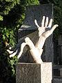 070 Vyšehradský Hřbitov (cementiri de Vyšehrad).jpg
