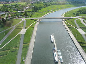 Canal du Centre (Belgium) - View of new canal section, from the Strépy-Thieu lift
