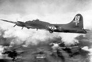 100thbombgroup-b17s-2
