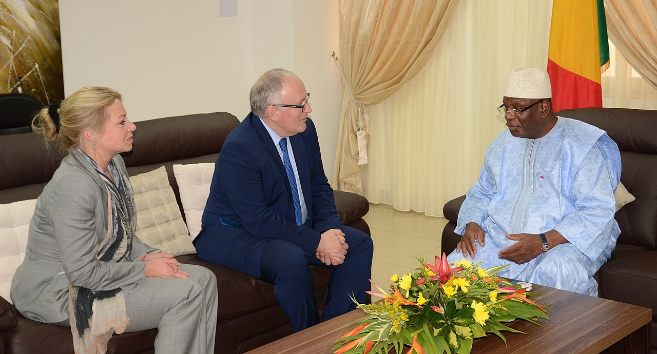131128 Timmermans en Hennis bij Ibrahim Boubacar Keïta president Mali 4685 (12771302915).jpg