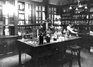 Otto Folin - Otto Folin in biochemistry lab at McLean Hospital, 1905; photo by A.H. Folsom (Harvard)