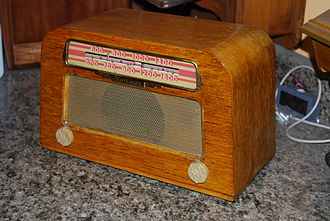 Les Hoffman - One of Hoffman Radio's first products, the Model A203, sold from 1946 to 1947. One of the last Mission Bell Radio products, it was first sold as a Mission Bell brand then rebranded as a Hoffman Radio.