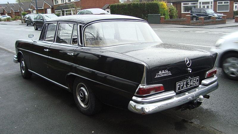 File:1965 Mercedes 220 (13670519513).jpg