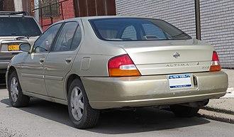 Nissan Altima - MY1998–1999 Nissan Altima rear