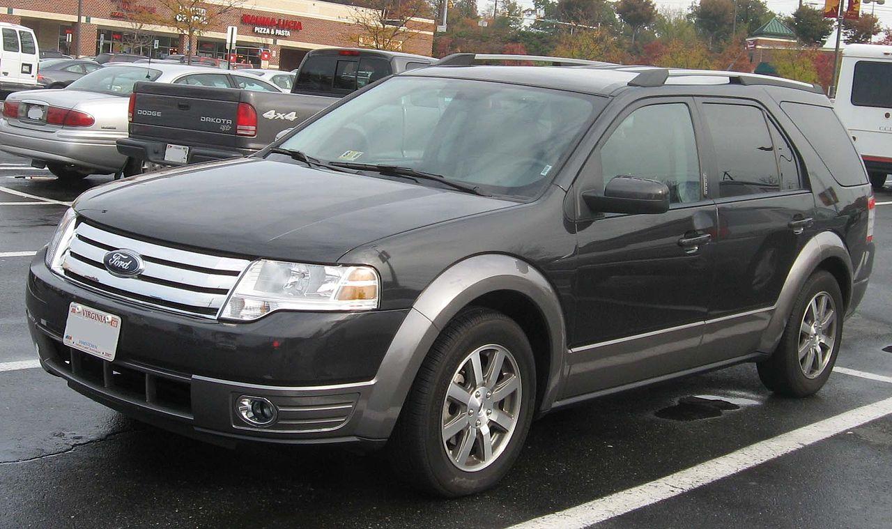 File:2008 Ford Taurus X SEL.jpg - Wikimedia Commons