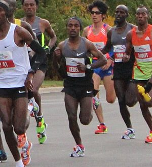 Tsegaye Kebede - Kebede in the lead pack at the 2012 Chicago Marathon.