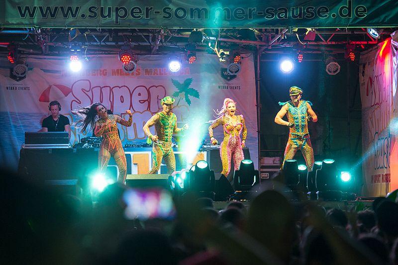 File:2016 Super Sommer Sause - Vengaboys - by 2eight - DSC1793.jpg