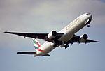 213aw - Emirates Boeing 777-31H, A6-EMO@LHR,13.03.2003 - Flickr - Aero Icarus.jpg