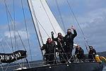 24 Pen duick III et équipage.JPG