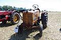 3ème Salon des tracteurs anciens - Moulin de Chiblins - 18082013 - Tracteur Renault - 1948 - devant.jpg