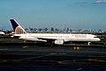 378bc - Continental Airlines Boeing 757-224, N13110@EWR,04.09.2005 - Flickr - Aero Icarus.jpg