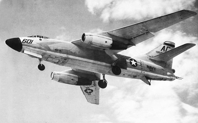 640px-A3D-2_Skywarrior_of_VAH-1_in_flight_1959.jpg
