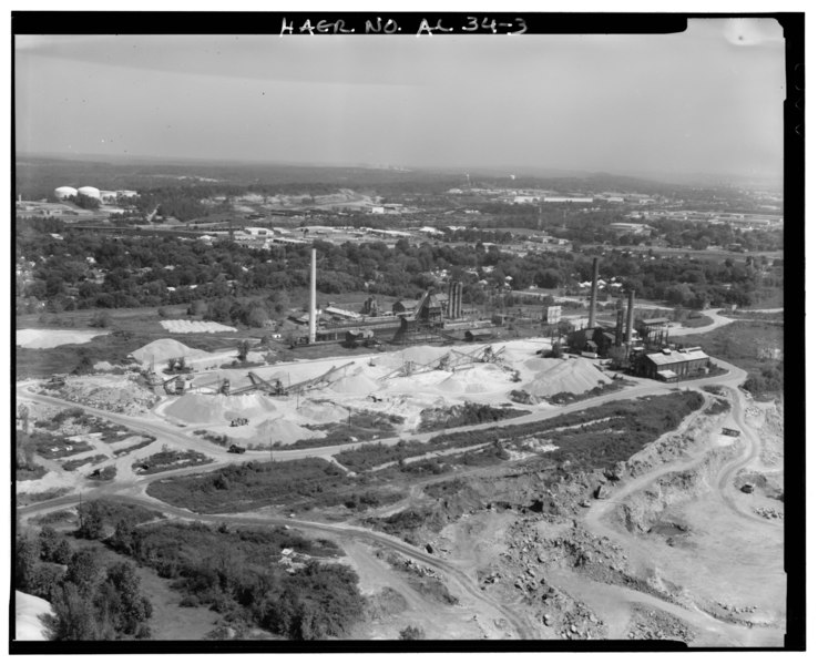 File:AERIAL OVERVIEW, LOOKING NORTH, OF QUARRY AND COKEWORKS. - Wade Sand and Gravel Company, AL 78, Thomas, Jefferson County, AL HAER ALA,37-THOS,8-3.tif