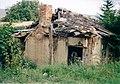 A ruined house - panoramio.jpg