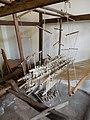 Abbadia Lariana̞ - Museo settificio Monti - tkalcovský stav na hedvábné tkaniny.jpg