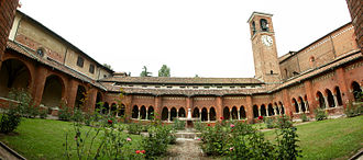 Chiaravalle Abbey - The cloister.