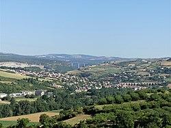Aguessac bourg depuis Paulhe (1).jpg