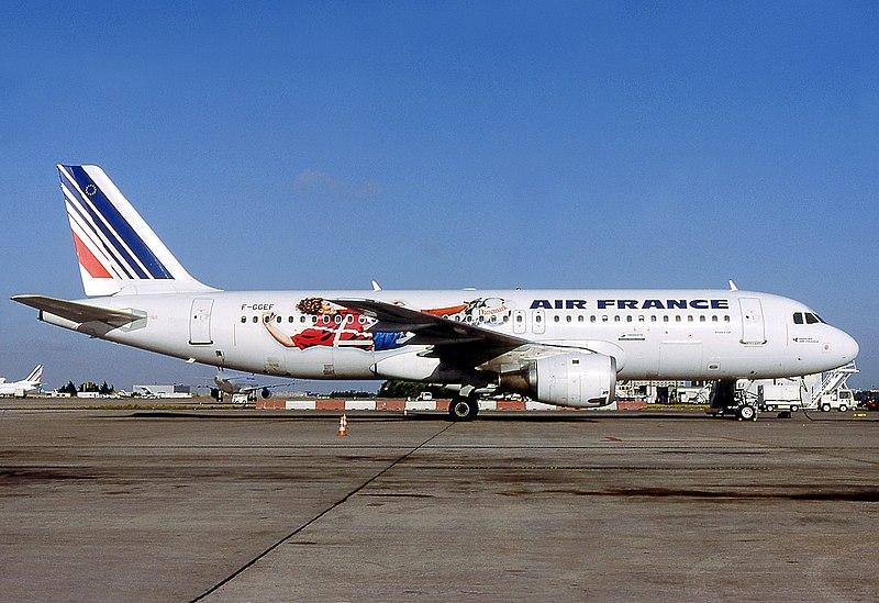File airbus a320 111 air france wikimedia for Airbus a320 air france interieur