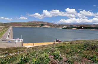 Alavian Dam - Image: Alavian Dam
