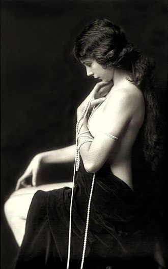 Alfred Cheney Johnston - Image: Alfred Cheney Johnston 1921