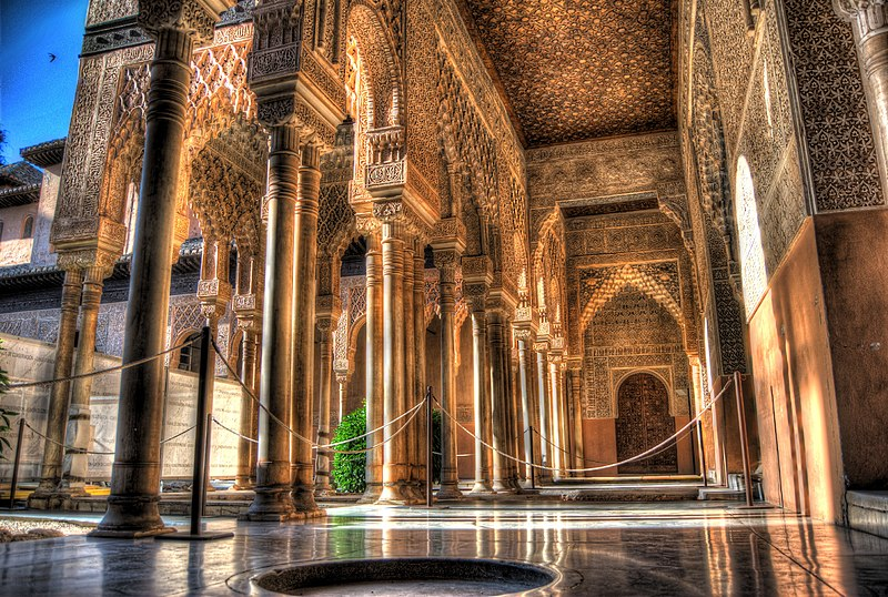 File:Alhambra - Patio de los Leones in the morning sun - July 2011.jpg