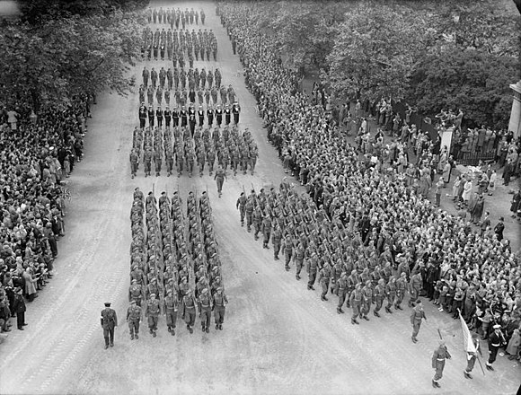 South African and Southern Rhodesian contingents marching in the London Victory Parade of 1946 Allied Victory Parade in London, 1946 H42784.jpg