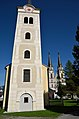 Alte & neue Pfarrkirche Admont.jpg