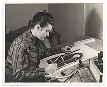 Archives of American Art - Blanche Grambs at work - 2129.jpg