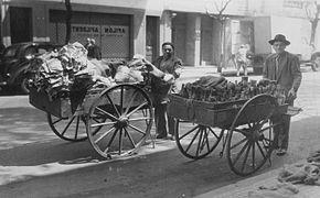 Argentina - Botelleros en 1947.jpg