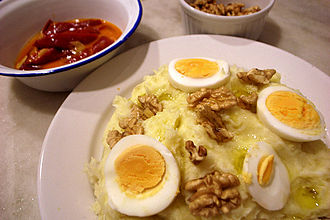 Manchego cuisine - Atascaburras, a typical regional dish.