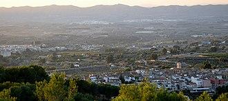 Atzeneta d'Albaida - Image: Atzeneta. Ombria del Benicadell. Vista d'Atzeneta i Albaida