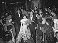 Audrey Hepburn met echtgenoot Mel Ferrer tijdens feestavond film Tuschinsky, Bestanddeelnr 906-8187.jpg