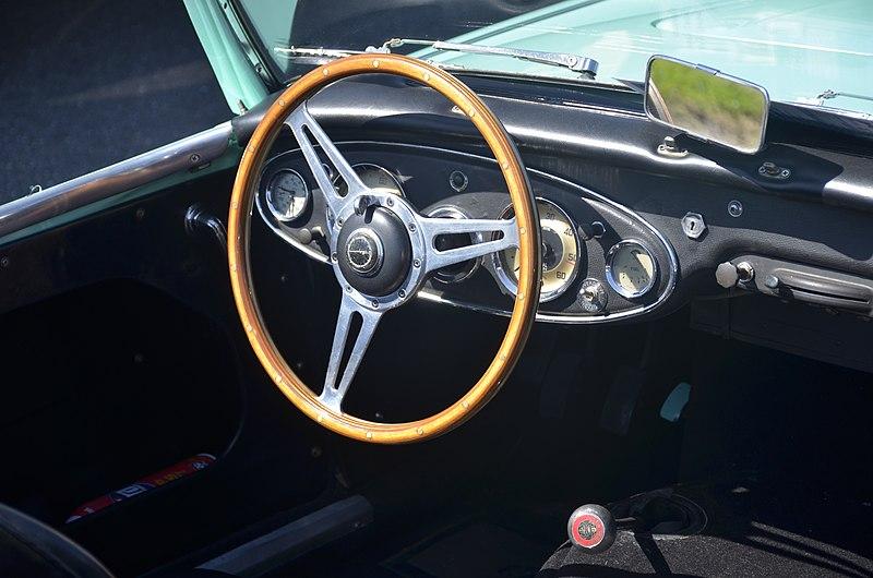 File:Austin Healy steering wheel.jpg