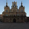 Ayuntamiento de Astorga. Fachada.jpg