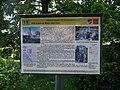 Běchovice, Husův pomník, tabule naučné stezky.jpg