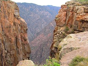 Black Canyon of the Gunnison National Park - The extremely narrow walls of the canyon